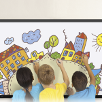 How to choose the best large format touchscreen for learning