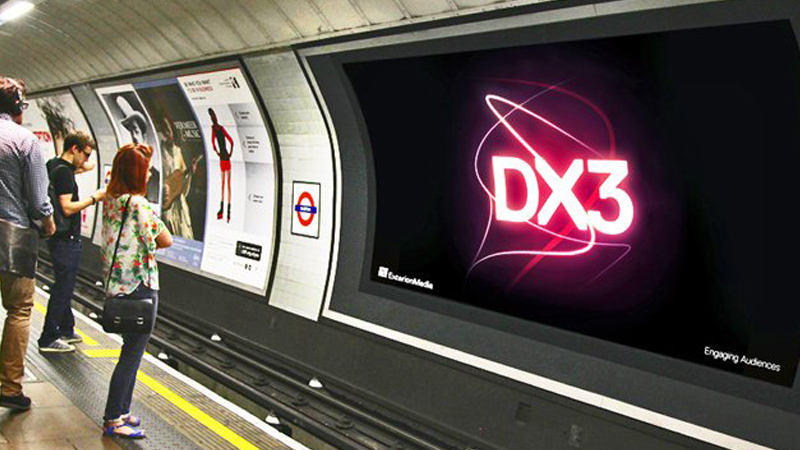 Digital signage retail on the Tube